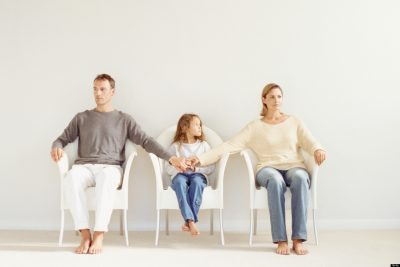 divorced parents with child in the middle   Truce Divorce, Custody, Co-Parenting App